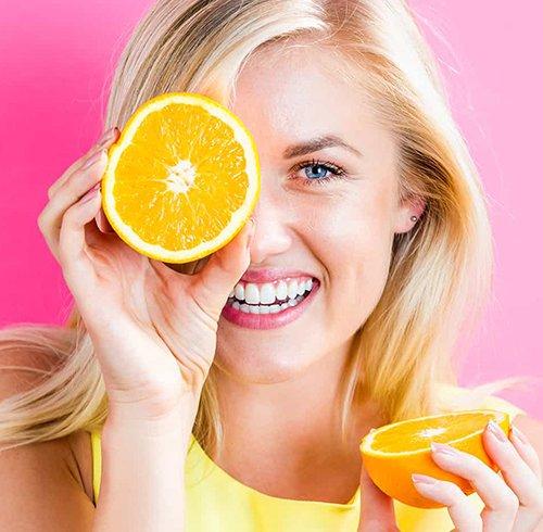 11 دلیل برای استفاده روزانه از سرم ویتامین C